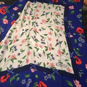 Tiffany & Co. Accessories - 💃🏻HP💃🏻1986 limited edition Tiffany silk scarf