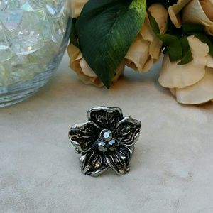 Jewelry - Gunmetal floral statement ring with rhinestones