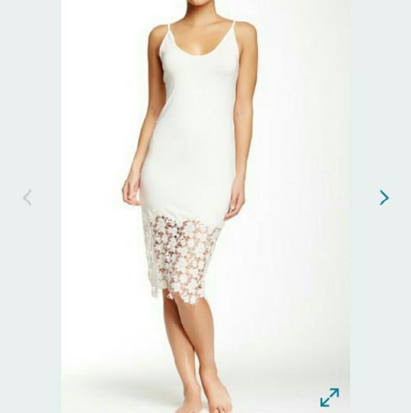 f80e83c72e7b Free People White Lace Bottom Slip Dress L