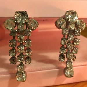 Vintage Jewelry - Vintage Rhinestone Dangle Silvertone Earrings Clip
