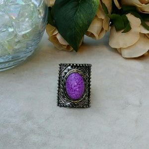 Jewelry - Purple chunky statement ring with stretchy band