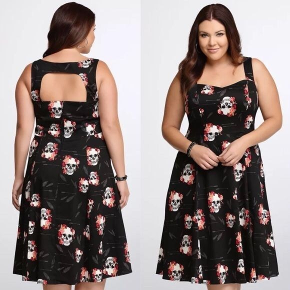 ✨1 Left! Torrid Skull Swing Dress Plus Sizes 28 NWT