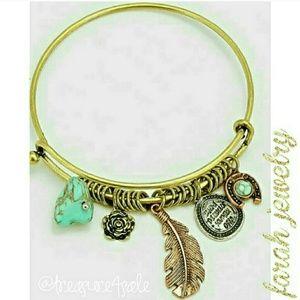 Farah Jewelry Jewelry - Boho charm bracelet with turquoise