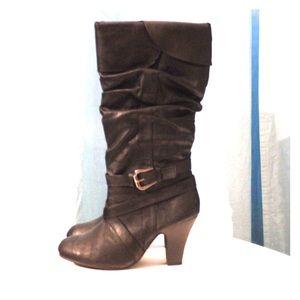 Black slouch buckle Rue 21 mid-heel boots 7