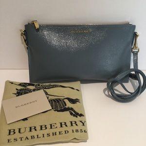 Burberry Handbags - BURBERRY PEYTON LONDON BAG.