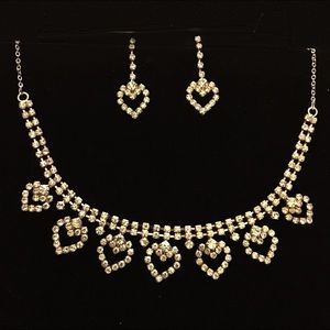 Jewelry - Adorable rose gold colored Necklace & Earrings