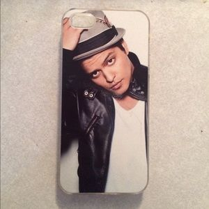 Accessories - Bruno Mars IPhone 5 case