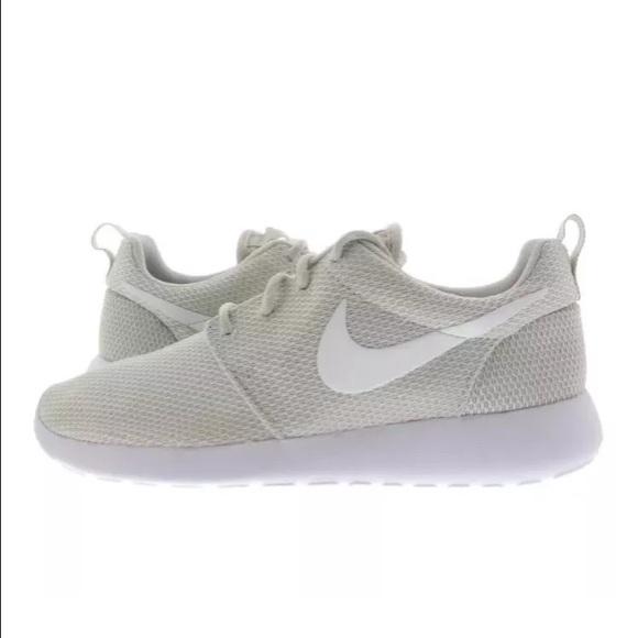dymohp Nike - NIKE ROSHE ONE LIGHT BONE WHITE WOMENS SNEAKERS from