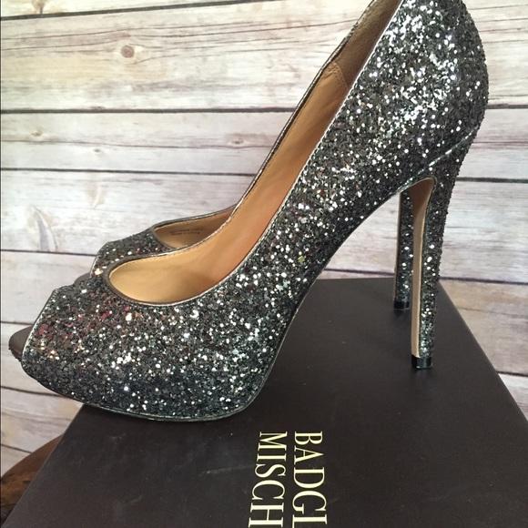 1ef73045266b6 Badgley Mischka Shoes - Badgely Mischka Dark glitter pump. Size 9