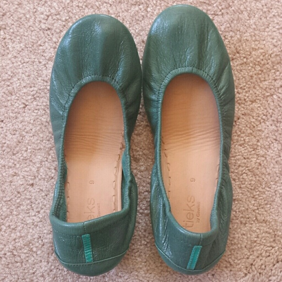 Tieks Shoes - Like new Tieks flats
