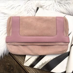 Marc Jacobs Handbags - Marc Jacobs pink clutch