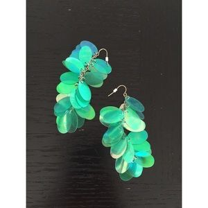 Jewelry - Green Irredescent disk earrings