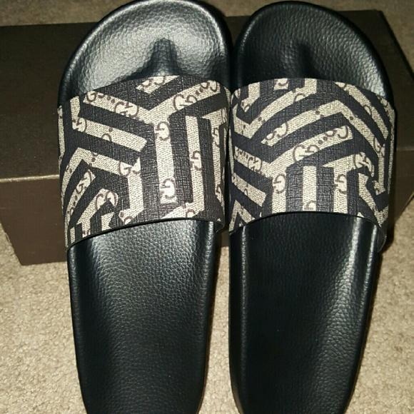 5665323592cf Mens Gucci Caliedo GG Flip Flops size 10