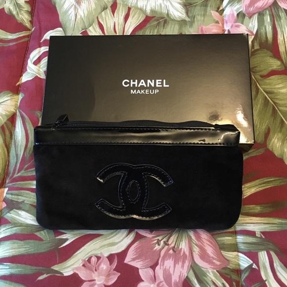 a13c04d34106 CHANEL Bags | Makeup Bag | Poshmark