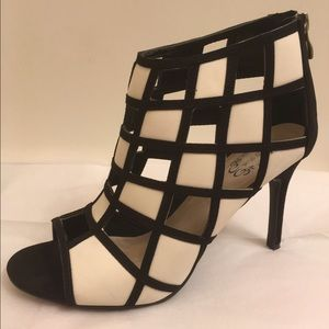N.Y.L.A. Shoes - NYLA black and white shoes
