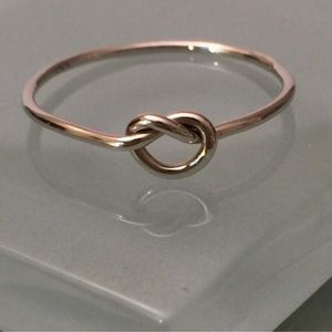 Jewelry - 14k white gold love knot ring