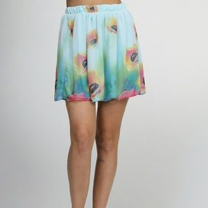 Boutique Dresses & Skirts - Blooming flowers mini