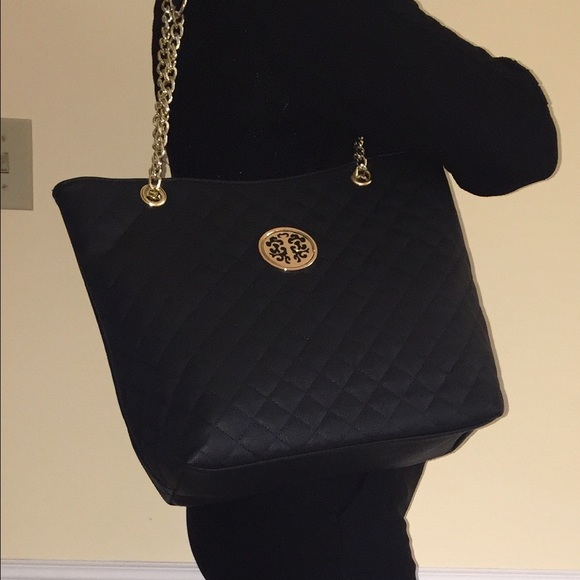 86be644884d3 Sasha new york bags weekend saleblack quilted tote poshmark jpg 580x580 Sasha  handbags