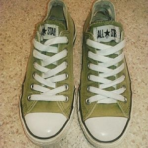 ARMY GREEN  CONVERSE ALL STARS SIZE 7