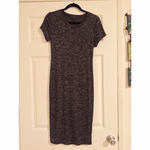 Dresses & Skirts - Dark grey T shirt sleeve dress
