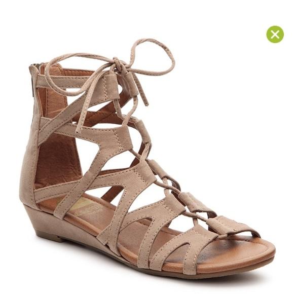 b2eb583bf01 Crown vintage Shoes - NWOT crown vintage Sarah gladiator