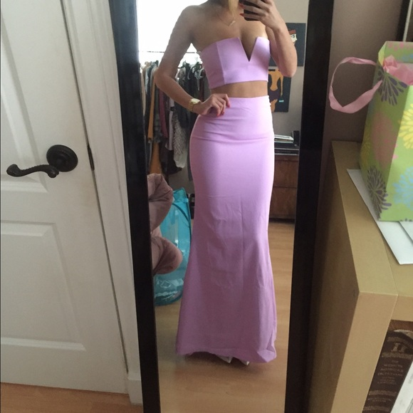 b77fd436007 Need to clear my closet of prom dresses!