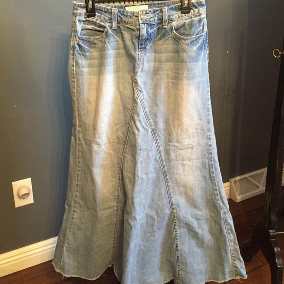 Maurices Long Denim Jean Skirt Size 3 4 Excellent