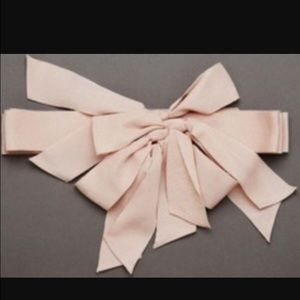 1264c50a35d3 Vera Wang Accessories - Vera Wang White Collection Multi Bow Sash in Blush