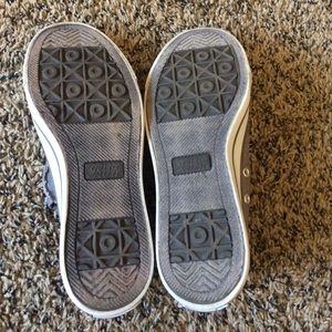 9421f82ce81a gotta flurt Shoes - grey converse look a likes without laces!