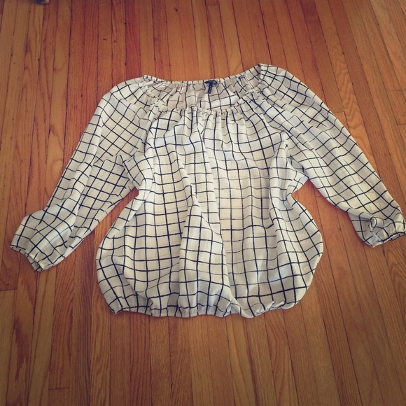 Black and white synched sheer blouse XL