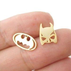 👍Host Pick👍 Batman stud earrings