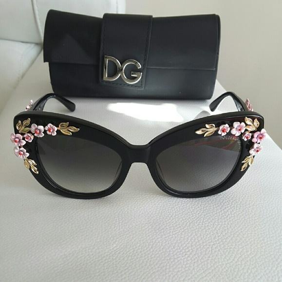 edbd5462d72 Dolce   Gabbana Accessories - Dolce and gabbana almond flower sunglasses