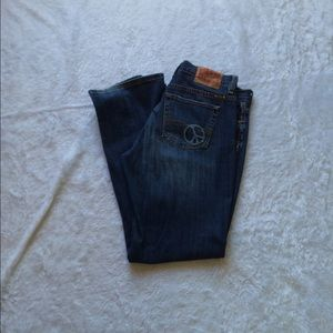 Lucky Brand Jean w/ peace sign on rear pocket