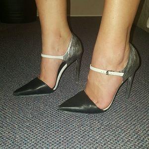 New L.A.M.B Heels Size 8