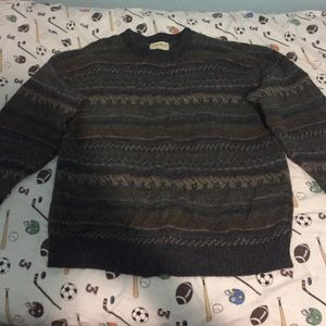 Dark patterned sweater (ALWAYS OPEN TO OFFERS)
