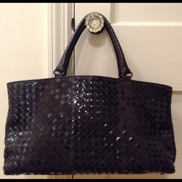 Bottega Veneta Handbags - 💥 SALE💥 Bottega Voneta Interwoven Brick Tote a2d35bee40