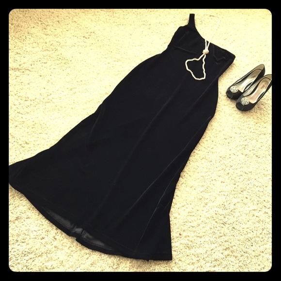 Jessica McClintock Dresses & Skirts - Jessica McClinton velvet gown