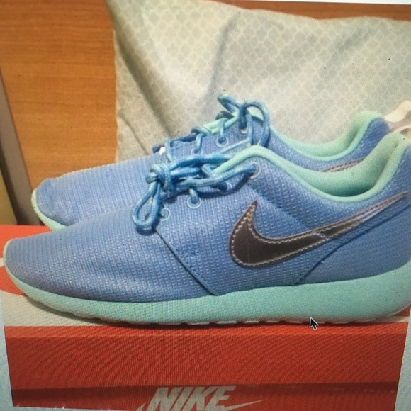 the best attitude 0ad58 28870 Women's Baby Blue Nike Roshes