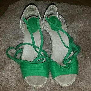 Old navy lace up wedge