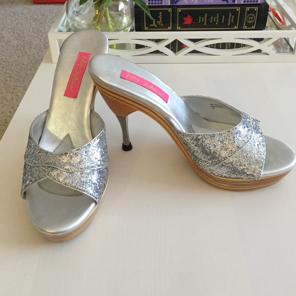 Betsey Johnson Polly Shoes Size