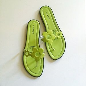 Green Hippie Flowers Sandals