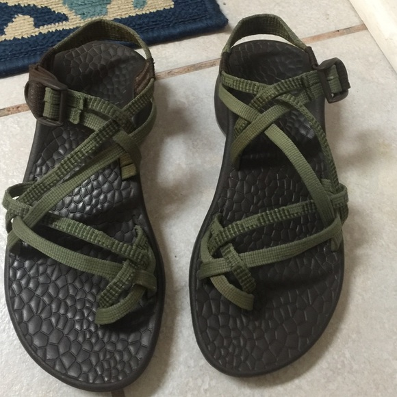 5b2c11346eda Chaco Shoes - Chacos women s size 7. Army green.