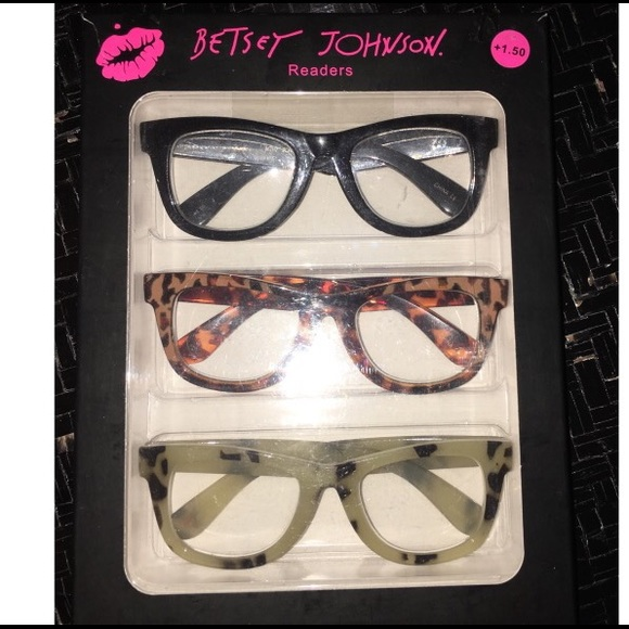 2deffa3545 Betsey Johnson Accessories - BETSEY JOHNSON 1.50 strength readers trio pack