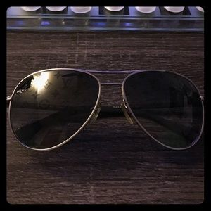 07e21b4f7af4 Louis Vuitton Aviator Sunglasses Pink