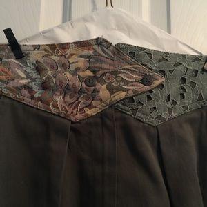 .Embellished skirt, midi length.