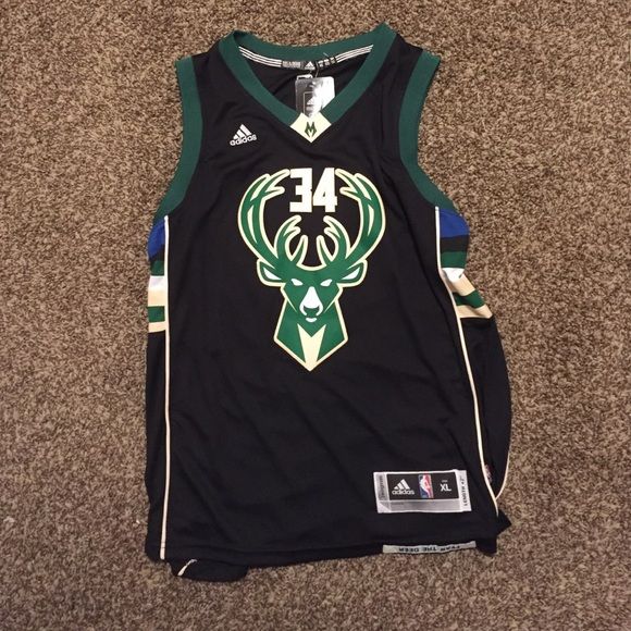finest selection 65a92 d61f8 Milwaukee Bucks Giannis Antetokounmpo NBA jersey NWT