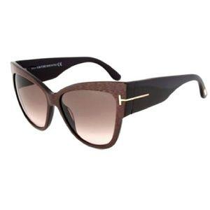 3d0ffe890e Tom Ford Accessories - Tom Ford Anoushka Cat Eye Iridecent Sunnies