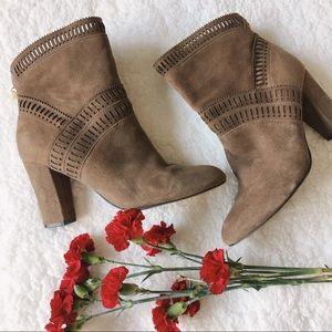 Isola Shoes - {isola} evoda lasercut booties