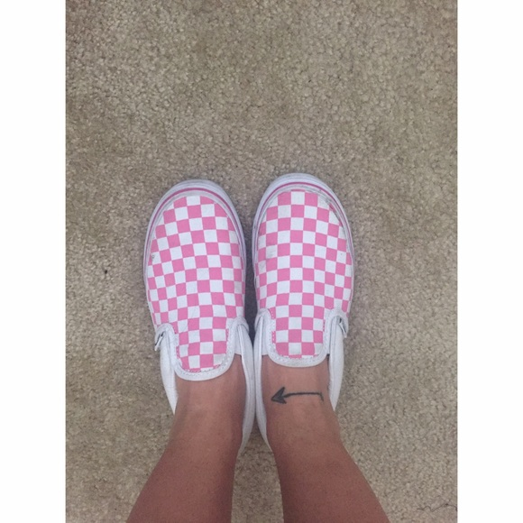 f5fdf4d410 Baby pink and white checkered slip on! M 57110e8199086ac6fc015f93