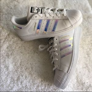 Adidas Shoes - Sz 6, 7, 7.5•🆕Adidas Superstar Holographic Stripe